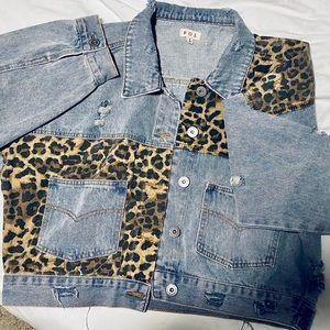 ✨ Off Duty Leopard Denim Jacket VICI Size S